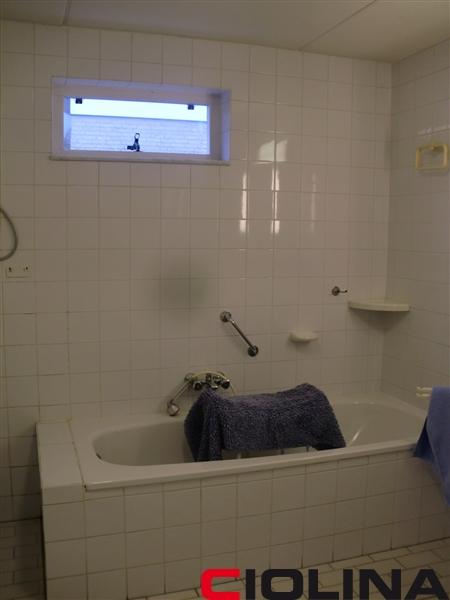 Badkamer 21, complete verbouw - Ciolina BV